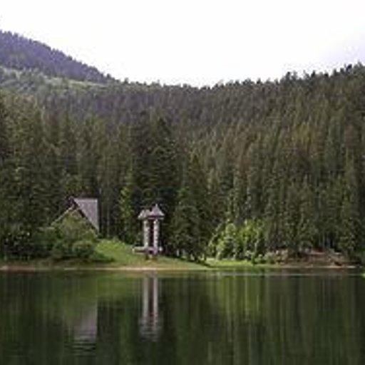 Закарпатье. Синевирское озеро.